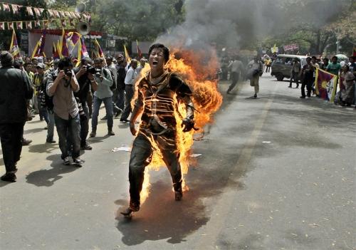 pb-120326-tibet-immolation-ps1.photoblog900